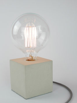 "Cube-Betonlampe mit Textilkabel ""Grün"""