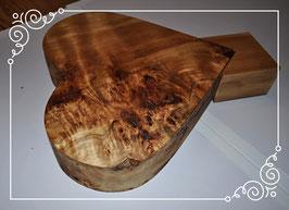 Massives Holzherz mit Ständer