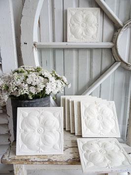 15x VERKAUFT Wai 28.09.   14,5x14,5 antike Wandfliese weiße Keramik