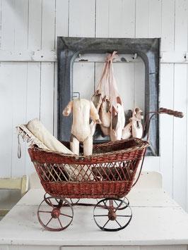 antiker Puppenwagen