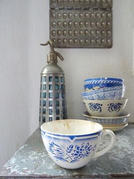 uralte große Tasse SARREGUEMINES blaues Dekor