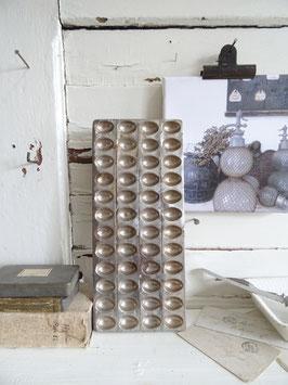 EIER antike Schokoladenform LAURÖSCH 30x13 cm