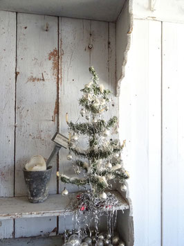 VERKAUFT Bia 01.01.   40cm uralter Tannenbaum Weihnachtsbraum - silberner Behang