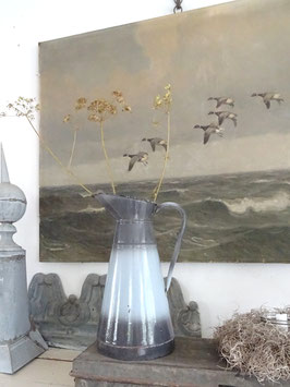 uralte Wasserkanne - Grautöne - aus Frankreich