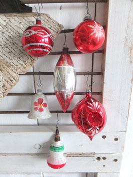 Konvolut (ur)alter Weihnachtsschmuck rot