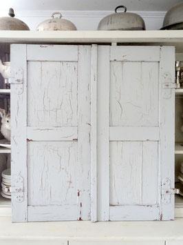 x A+B VERKAUFT Uls 08.07.   110cm uralter stabiler Fensterladen - alter grauer Lack