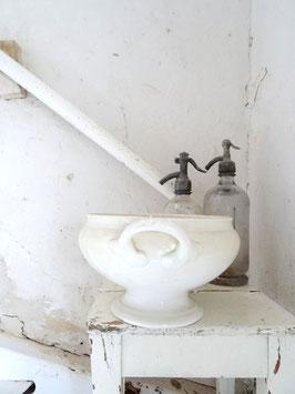 uralte Terrine PETRUS REGOUT MAASTRICHT - Patina cremeweiße Keramik