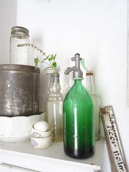 sehr alte Sodaflasche - Tannengrün II