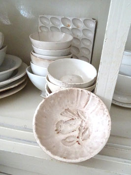 VOGEL antike Puddingform weiße Keramik