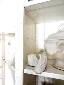 VERKAUFT Syl 01.06.  antike Babyschuhe, Knopfstiefel - weißes Leder