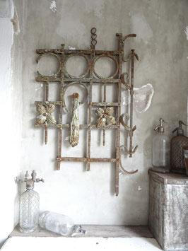 antikes Zaunelement - aussergewöhnlich schön