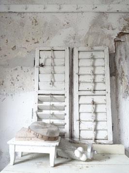 Li VERKAUFT Arn 09.09.   Antiker Klappladen Fensterladen - alter weißer Lack