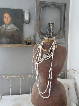 3,9cm uralte Baumkette aus doppel - Hohlglasperlen silber