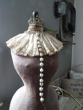 antike Baumkette aus Hohlglasperlen silber-weiß