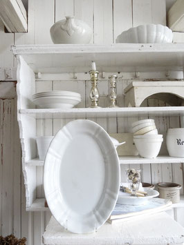 uralte Platte aus Frankreich weiße Keramik