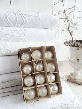 12erSET uralte Baumkugeln silber weiß