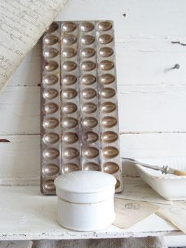 antike Salbendose / Deckeldose - blanko weißes Porzellan