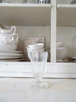 antikes Weinglas - Pressglas - Facetten