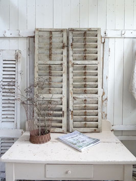 A  VERKAUFT Bal 07.02.  Antiker Klappladen Fensterladen - alter Lack - grandiose Patina