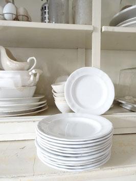 PETRUS REGOUT  Wellenrand flacher Teller weiße Keramik