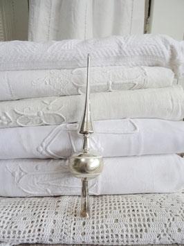 uralte Baumspitze silber weiß