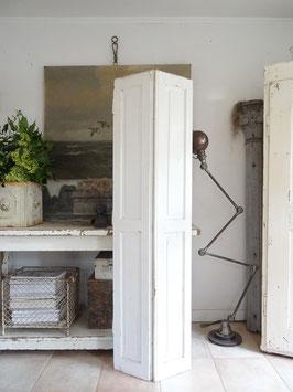 169cm uralter Fensterladen - alter weißer Lack