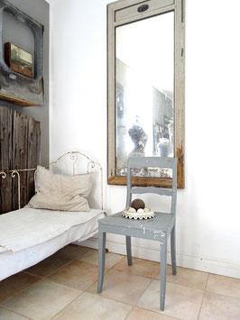 Antiker Stuhl Küchenstuhl - geniale Patina / grau - shabbychic