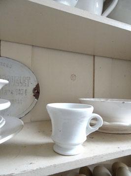 VERKAUFT Bal 29.10.   antike schwere franz Kaffeetasse Brulot dickes Porzellan weiß (2)