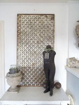 Antikes Gusseisenelement aus Frankreich Fenstergitter