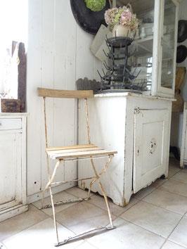 Sehr alter stabiler Klappstuhl Gartenstuhl cremeWEISS - restauriert