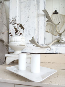 Uralte Platte Keramik weiß