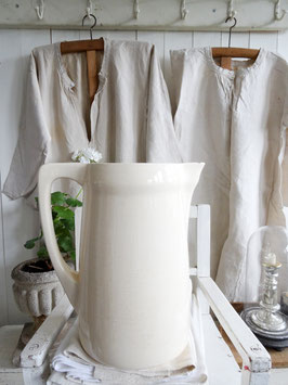 VERKAUFT Bri 30.06.   V&B uralte Wasserkanne - weiße Keramik