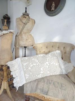 VERKAUFT Par 30.11.    Kissen aus antikem Leinen