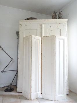 134cm uralter Fensterladen - weiss - schöne Patina