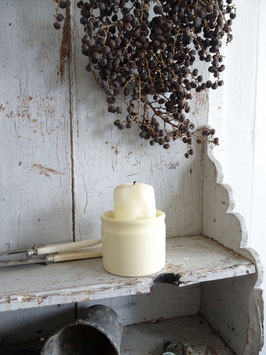 uralter Vorratstopf cremeweiße Keramik
