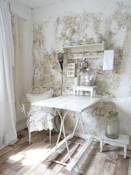 VERKAUFT Kat 14.10.   antiker Gartentisch - alter weißer Lack