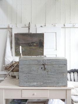 antike grosse Truhe - grandiose Patina - grau