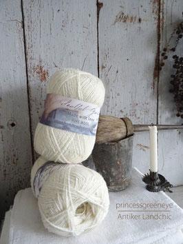 100% Wolle Garn - light cream / wollweiß von JEANNE D'ARC LIVING