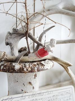 antiker Schwebengel mit rotem Rock (2)