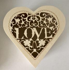 Holzschachtel mit Love Ornament