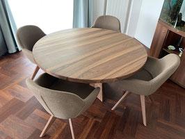 Runder Tisch. Herstellung auf Bestellung