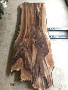 Riesen-Baum Tisch -Platte, 390x110-120, Dicke 7cm,Riesen Nussbaum vom Bodensee. Reserviert