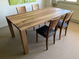 Ausstellungs-Tisch, Nussbaumholz geölt/gewachst