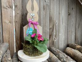Osterhase mit Blumenkorb