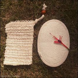 Articles complémentaires pour les coffrets cadeau : les gants Luffa ou les Sacs à savon en Sisal
