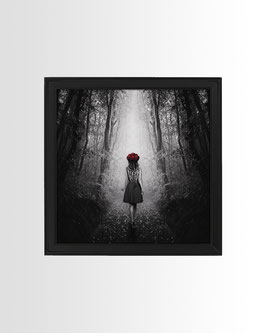 Red Riding Hood | Fine-Art Print mit Rahmen | 23x23 cm