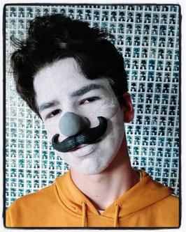 Moustache noire  / black mustache