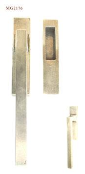 FAMA Hebe Schiebetür Griff MG2176 aus Bronze mit Griffmuschel außen