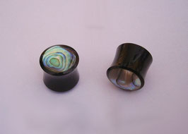 "Ohrenpiercing ""Mother of Pearl"""