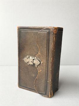 Bijbel met Zilver Slotje
